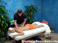 Jumalik käpard bell on hea tunne kui ilus masseur on läbida tema puss