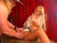 Big-boobied noruego Tanya Hansen fue follada por el vaquero en el pajar