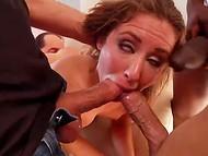 Mõned tüdrukud, et nad ei vaata nii palju dicks, kui Sheena Shaw imeb selle video