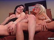 Порно ролик высокого качества с участием опытных лесбиянок, ступивших на старую дорожку
