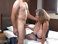 Chubby granny decided to recall her youth and seduced water deliveryman at easy