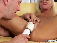 Wind-up granny doesn't mind to get a bit kinky with her young lover tonight