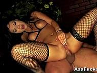 Великолепная Asa Akira превосходно отсосала стояк и удовлетворила чувака своей попкой