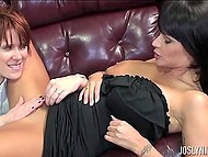 Office worker with short red hair uses tongue and fingers to satisfy boss Joslyn James
