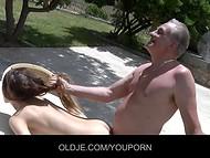 Очаровательная девочка подшутила над стариком, который понял это, как намек на секс