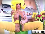 Титькастая порно звезда Abigail Mac в обличии персонажа из мультфильма ездит здоровенным огурцом по писечке
