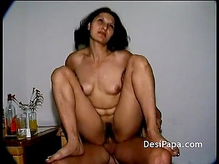 Hot Desi lady is ready for sexual game with new partner and filming nice homemade tape