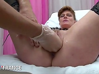 Mature French woman comes to gynecologist to check out her pussy and receive orgasm