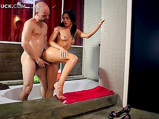 Brunette skinny Shrima Malati washes body and sucks cock of sex teacher in the bathtub