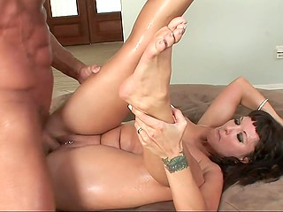 Muscled fucker penetrates pierced snatch of smoking-hot woman and cums on face fulfilling her request