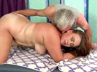 Masturbation by experienced masseur is pleasurable for Randi Paige especially when ending with orgasm