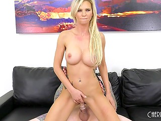Come-hither girl with big boobs knows more than anybody about fucking and even takes tongue out during facial cumshot