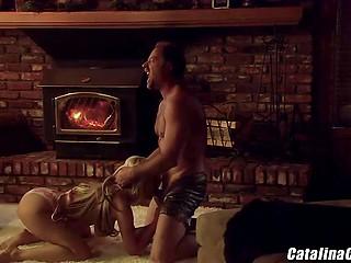 Соблазнительная Catalina Cruz с большими сисечками раскрепощает швейцарского любовника для оральных потрахушек