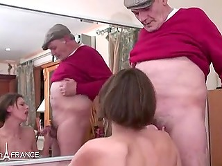 Men does wonderful things with camera filming and humping French MILF simultaneously