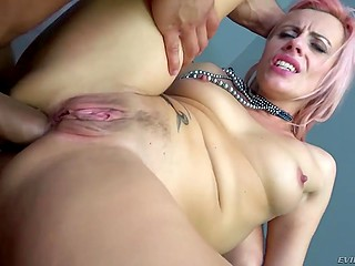 Young males decide not to waste time and energetically penetrate both holes of slutty woman