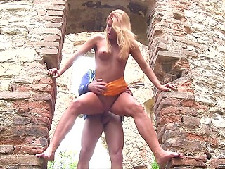Girl and friend stop by a ruined building because she wants to take cock in shaved vagina