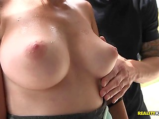 Babe liked the way professional pickup artist touched her pussy for money in a public place