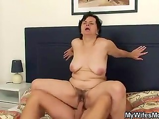 Portuguese lecher comes to the hotel room with the purpose of fucking young wife's mature stepmom