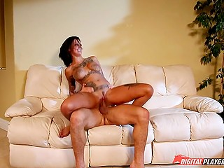 Hooker with inked boobs Bonnie Rotten has unstoppable sex that makes her twat explode with juices