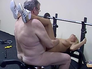Old fitness coach wants the blonde to train a lot so she initiates sex to take a break