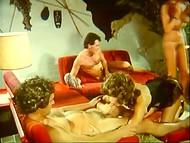 Vintage film från åttiotalet om håriga fittor, passionerad sex och vild kärlek