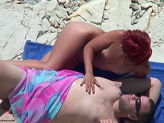 Szex a tengerparton - xxx videók ingyen