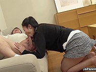 Naughty Japanese girl prepared special oral gift for lascivious boss in the office