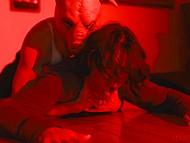 Свин-потрошитель проникает в дом Dana Vespoli, которой удаётся выжить благодаря ебле с ним