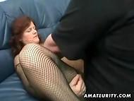 Assfucking toimia kypsä nainen fishnet bodystocking